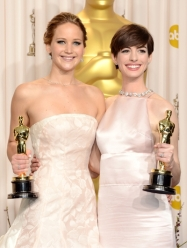 Anne Hathaway en Jennifer Lawrence